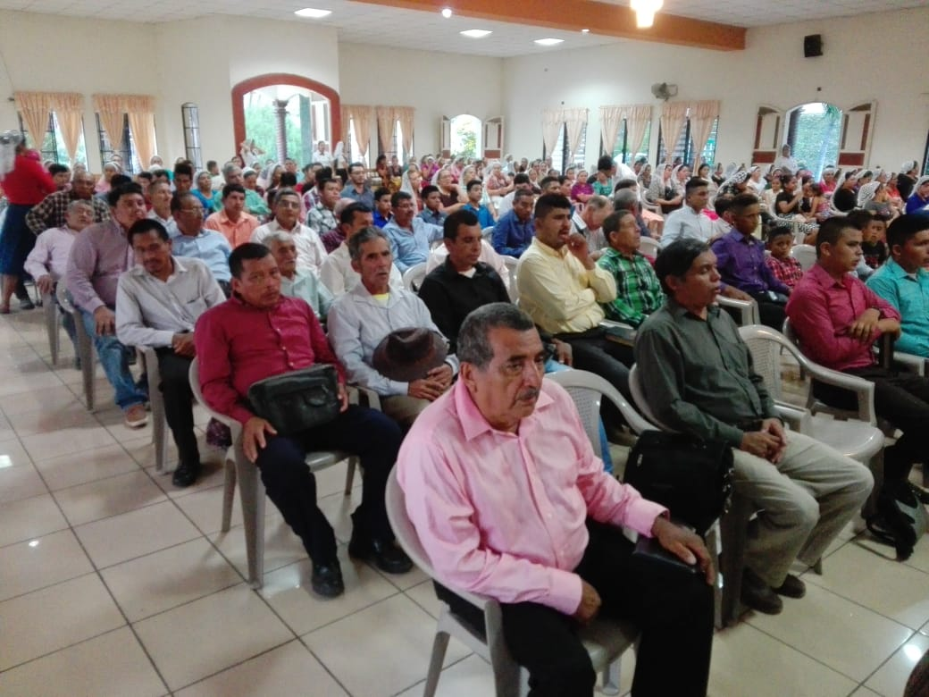 www.iglesiaarboldevida.org